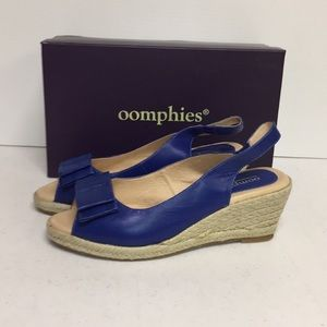 Oomphies by Lamo Blue Bow Espadrilles Size 7